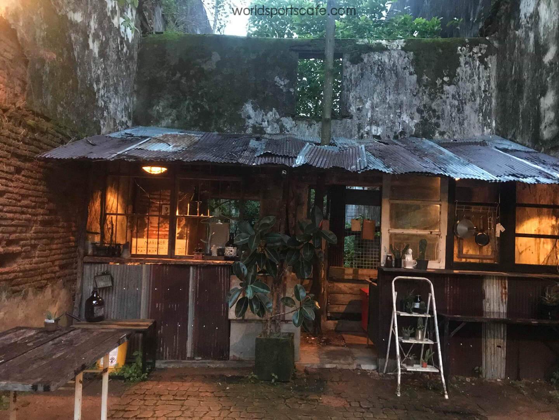 Trok cafe ร้านคลาสสิกในซอกตึก