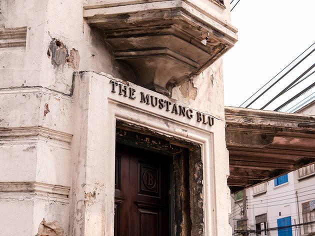 'The Mustang Blu' คาเฟ่กลิ่นอายของอาคารแนวฝรั่งคลาสสิค สุดหรูหรา