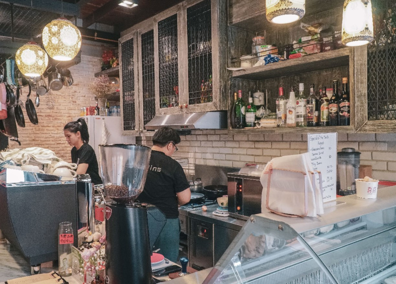 JingJing Ice cream  Bar and Cafe ย่านเยาวราช